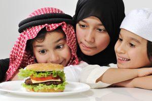 4 Tip Melatih Anak Berpuasa di Bulan Ramadan