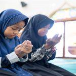 7 Tip Didik Anak Rajin Berdoa