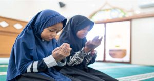 Read more about the article 7 Tip Didik Anak Rajin Berdoa