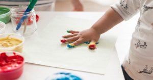 Read more about the article Kelebihan Kraf Kreatif untuk Anak Prasekolah