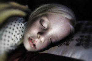 10 Tip Mengasingkan Tempat Tidur Anak