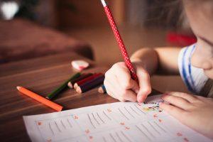 Read more about the article 5 Tip Untuk Mengukuhkan Kemahiran Menulis Anak