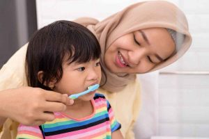 Bilakah Masa Yang Sesuai Untuk Anak Mula Memberus Gigi?